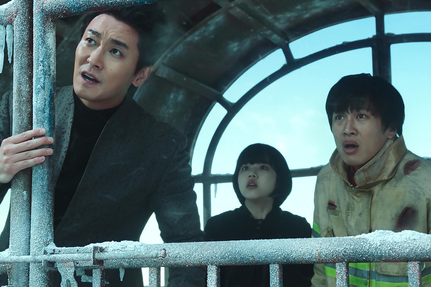 12月韓流即將來襲,斥資8億製作真實地獄《與神同行》上映戲院後數直逼《屍速列車》  登台韓期待榜雙料冠軍