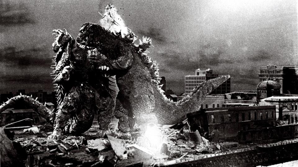 影史首場「 怪獸大戰 」即將開打。