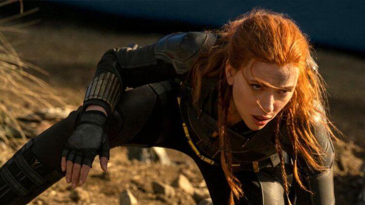 不再只是《鋼鐵人 2》裡的性感尤物:史嘉蕾喬韓森談論十年來「黑寡婦」在漫威電影宇宙的形象改變首圖