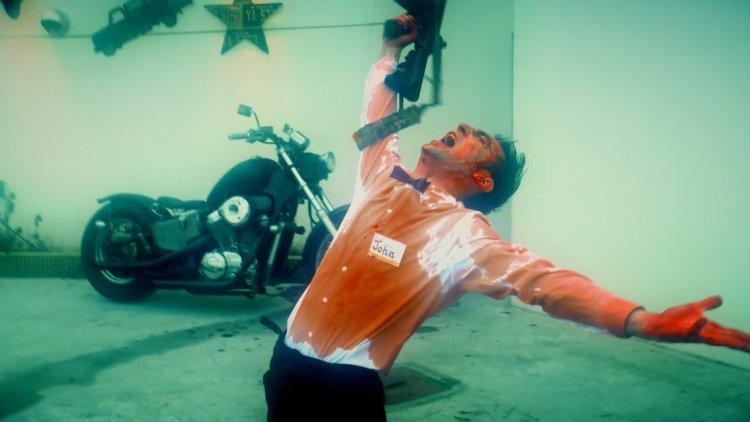 攝影機不要停!日本話題ㄎㄧㄤ片官方外傳《一屍到底番外篇:好萊塢大作戰!》電影即將在台上映。