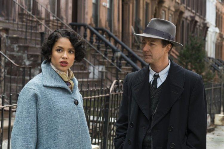 百大推理小說之一,同名著作改編,懸疑推理偵探電影《布魯克林孤兒》(Motherless Brooklyn) 劇照。