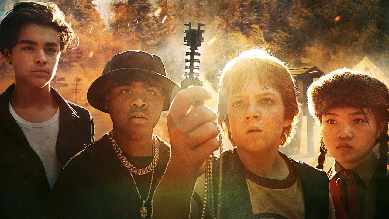 外星入侵誰拯救?《地球邊緣》專業閃開讓孩子來 Netflix 原創新片致敬很大上線首圖