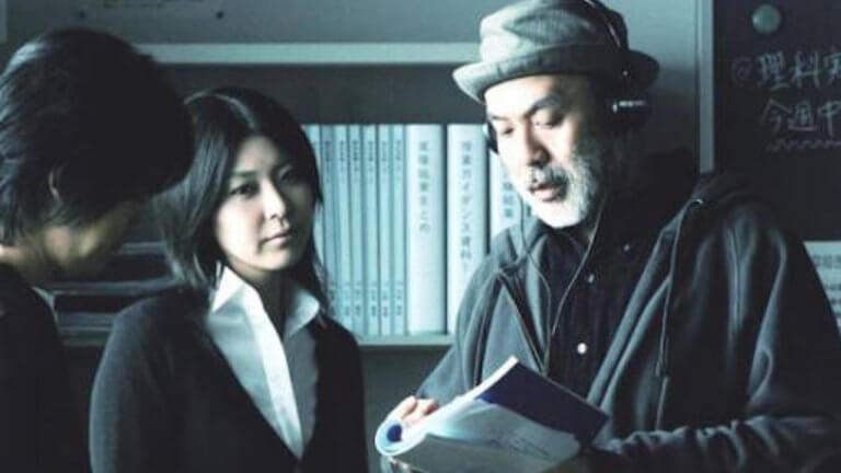 2010 年日本話題電影《告白》,中島哲也導演與女主角松隆子的片場側拍。