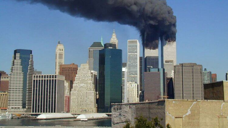 二十年了。紀錄片《911 那天:直擊美國總統戰情室》揭小布希決策真相,百餘張當年畫面緬懷傷痛前行首圖