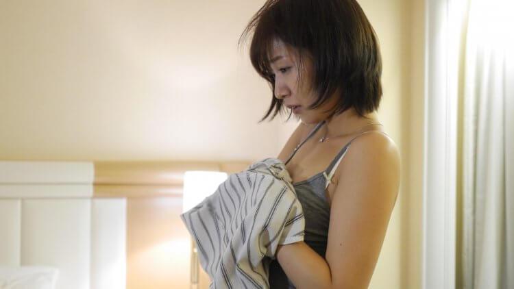 浪漫粉紅電影《偶像情人夢》愛看韓劇的日本小護士,竟美夢成真和歐巴偶像來場「大人的戀愛」?首圖