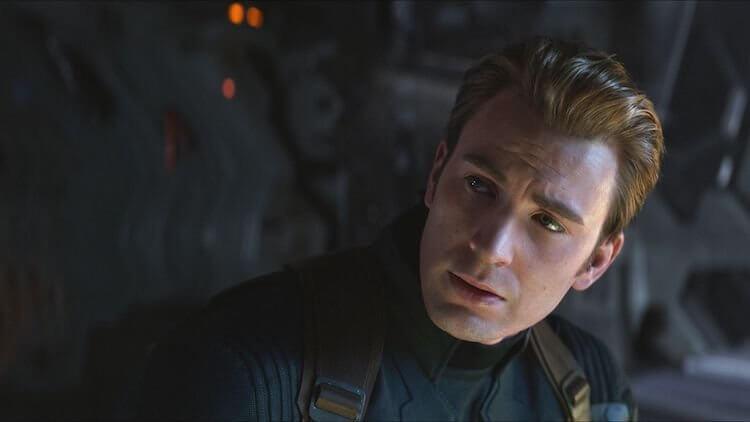 由克里斯伊凡飾演的美國隊長。