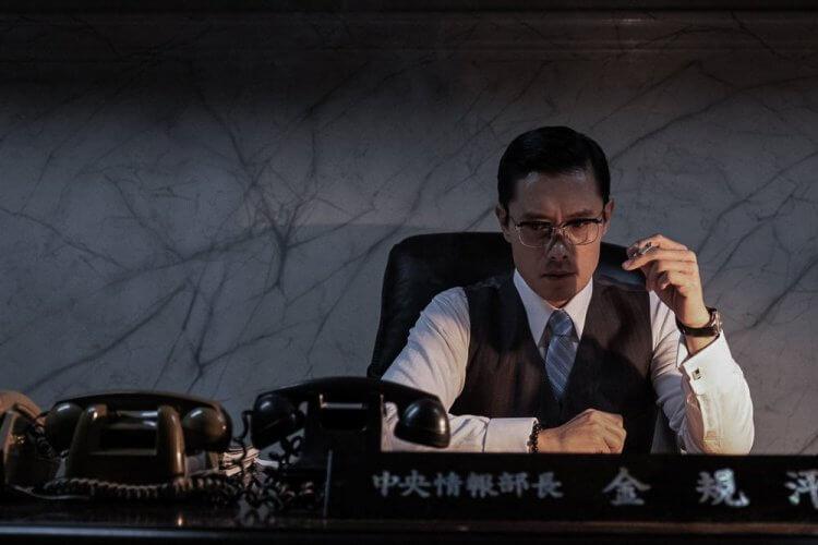 李秉憲以《南山的部長們》再奪一影帝