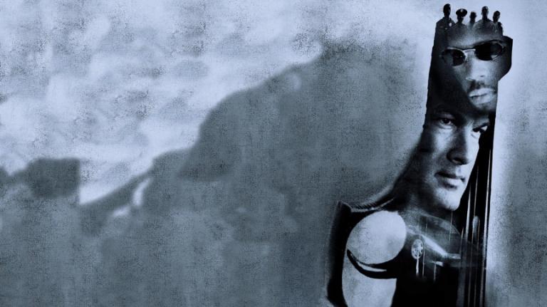 2001 年史蒂芬席格主演的動作片《以毒攻毒》。