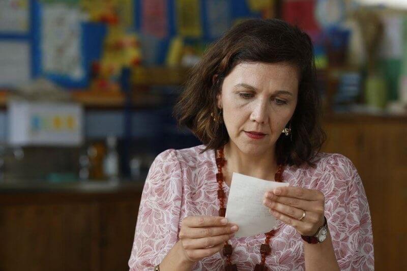 實力派演員瑪姬葛倫霍在《吾愛吾詩》中大飆演技,飾演面臨親職教職等情感拉扯的女性。