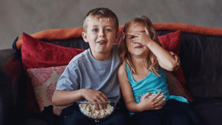 【專題】那些恐怖電影教我們的事:「恐怖電影會教壞小孩」是真的嗎?也許答案沒那麼簡單首圖