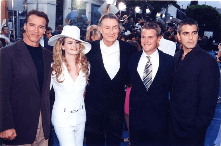 《蝙蝠俠 4:急凍人》的主演陣容們在首映夜的合影。