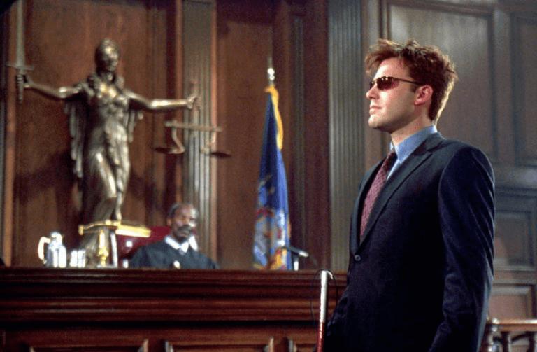 2003 年由班艾佛列克主演的超級英雄電影《夜魔俠》。