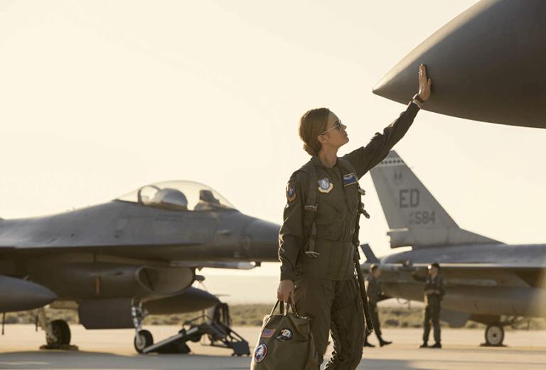 《驚奇隊長》中卡蘿丹佛絲的座機「復仇者」,成為日後尼克福瑞召集超級英雄成為「復仇者聯盟」的名稱起源。