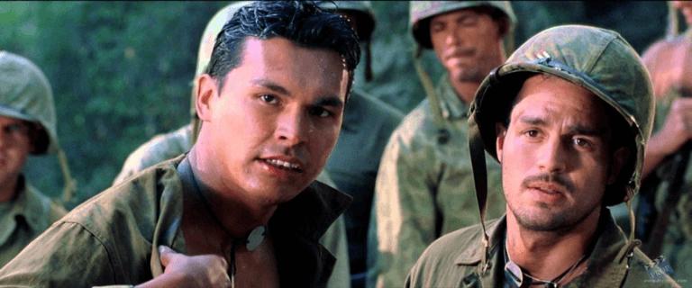 2001 年《獵風行動》中的馬克盧法洛(右)。