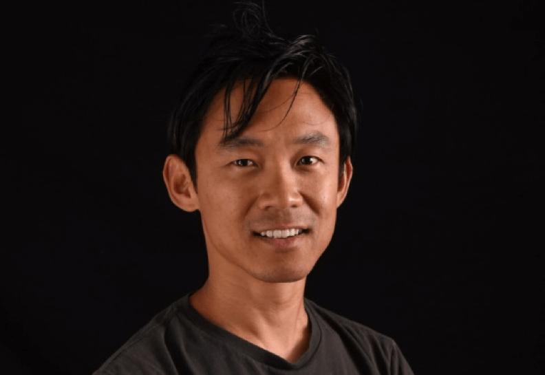 華人導演 溫子仁 ,對 恐怖片 有獨特見解的他,即將翻拍蜘蛛題材恐怖電影《 小魔星 》。