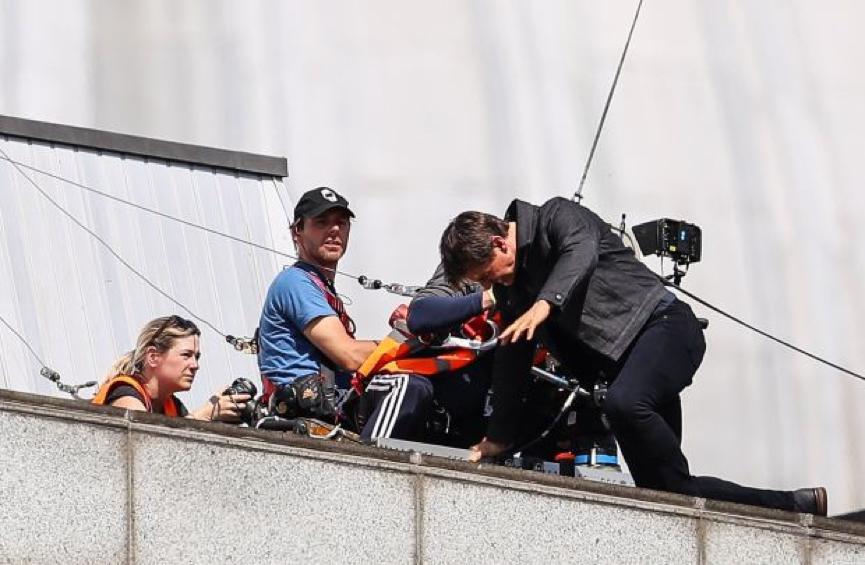 《 不可能的任務6 》拍攝中老湯姆不幸摔傷他的腳踝。