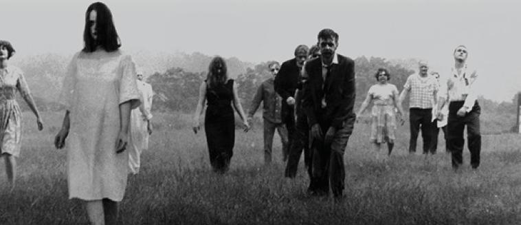 《我們》中出現的「分身」們,行為模式有如致敬《活死人之夜》等電影中的銀幕形象。