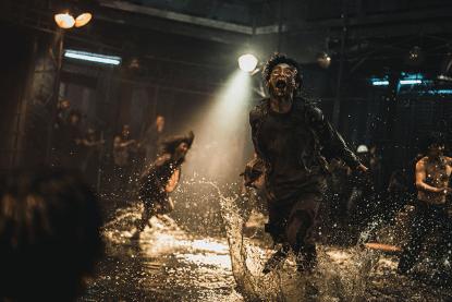 電影《屍速列車:感染半島》劇照。