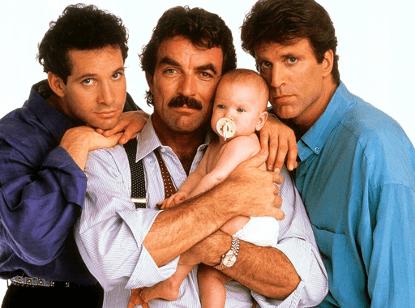 1987 年迪士尼真人喜劇電影《三個奶爸一個娃》劇照。