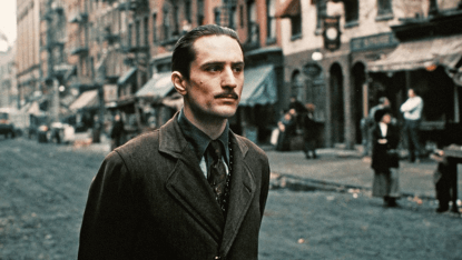 教父續集電影《教父 II》中勞勃狄尼洛飾演的年輕維托劇照。