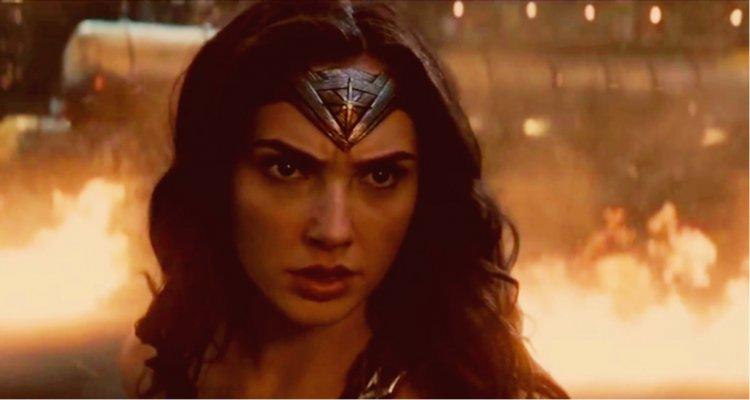 神力女超人。