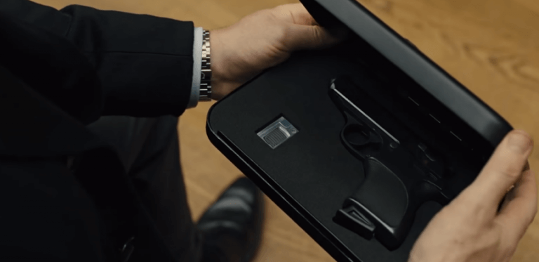 007 電影中的 Q 先生,各種神奇道具大多能給每任龐德許多幫助。