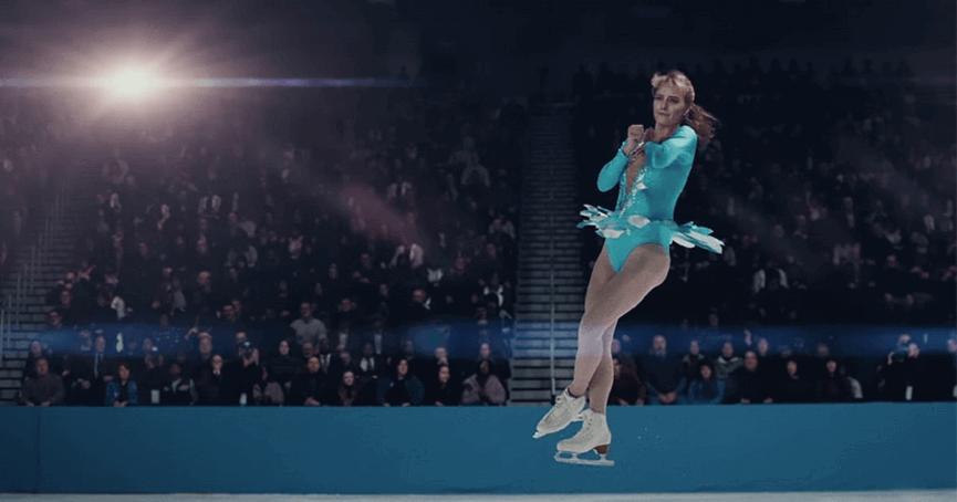 瑪格羅比(Margot Robbie )在《老娘叫譚雅》中展現苦練的滑冰動作