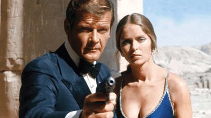 1979 年 007 電影《007:海底城》龐德與安雅。