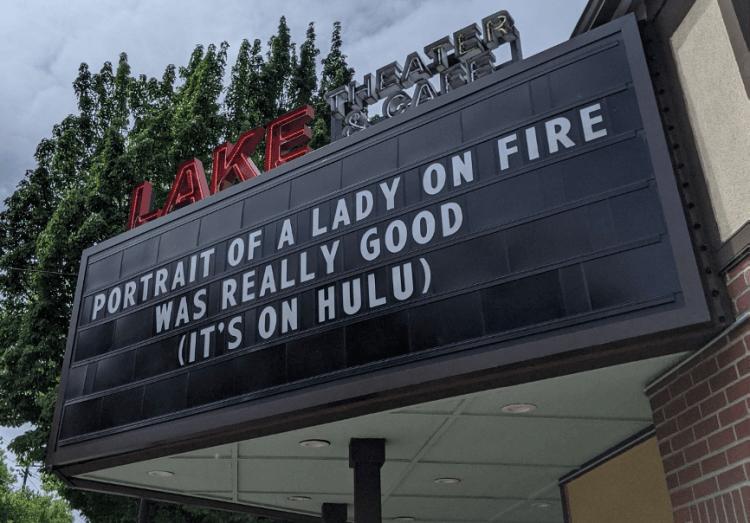 美國戲院看板。