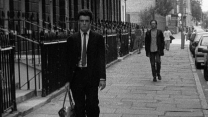 諾蘭早期電影《跟蹤》劇照。