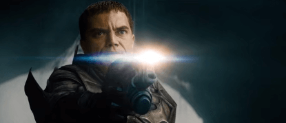 電影《超人:鋼鐵英雄》中麥可夏儂飾演的薩德將軍劇照。