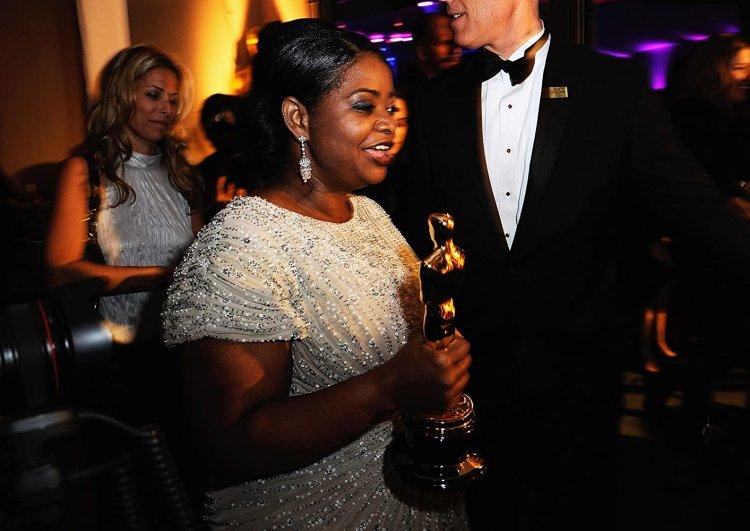 奧塔薇亞史班森獲頒一尊小金人。