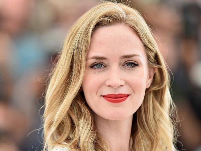 2018 上半年的話題電影《噤界》的女主角就是她:艾蜜莉布朗。