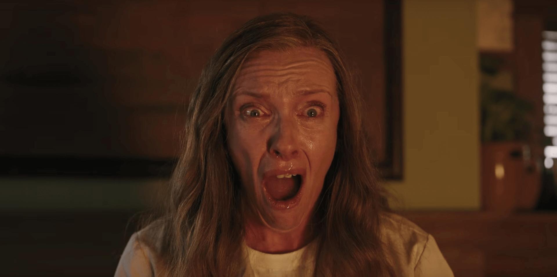 嚇到吃手手 也想要「 二刷 」:《 宿怨 》 中 東妮克莉蒂 的爆發演技有望獲金獎青睞。