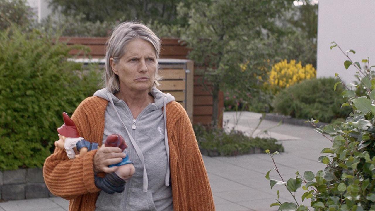 【影評】冰島電影《樹下驚魂》相礙相侵的警世劇