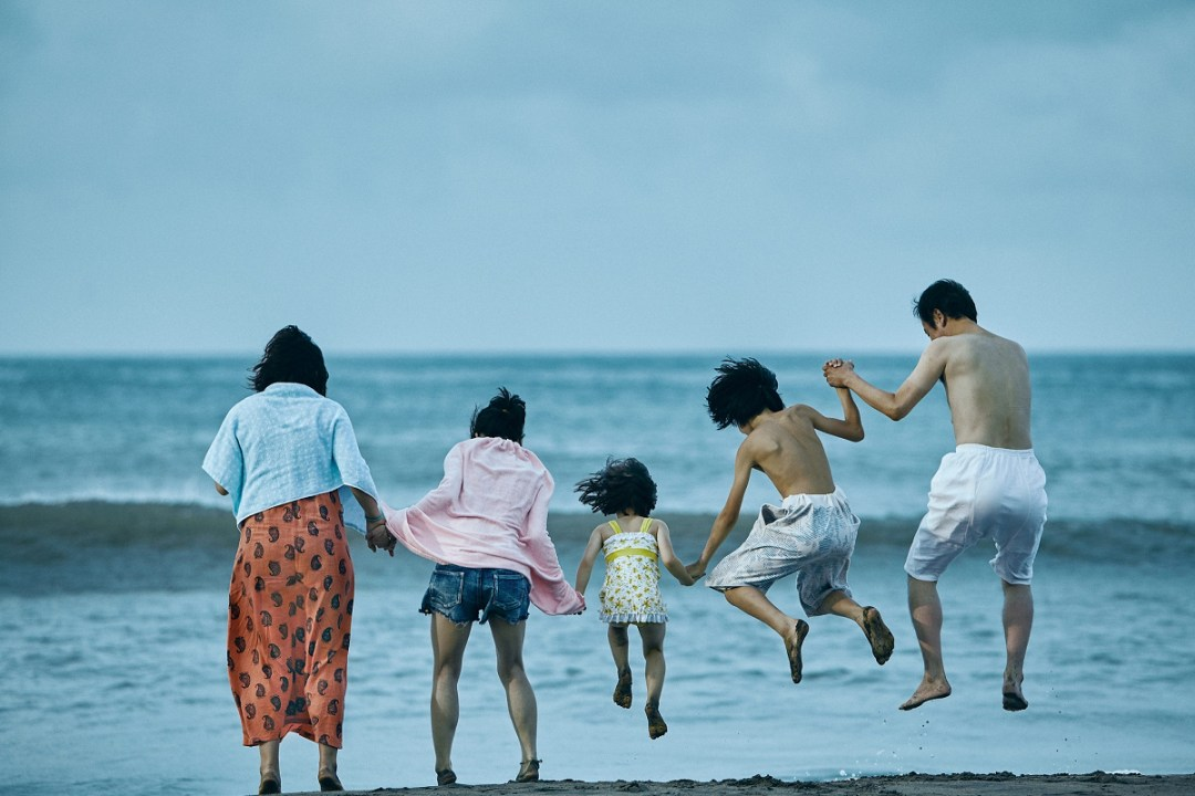 《 小偷家族 》 劇照 。