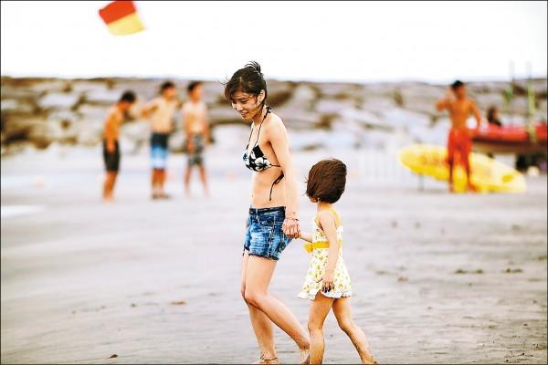 是枝裕和 導演作品 《 小偷家族 》 劇照 。