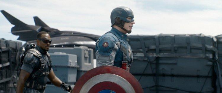 《美國隊長2:酷寒戰士》獵鷹與美國隊長。