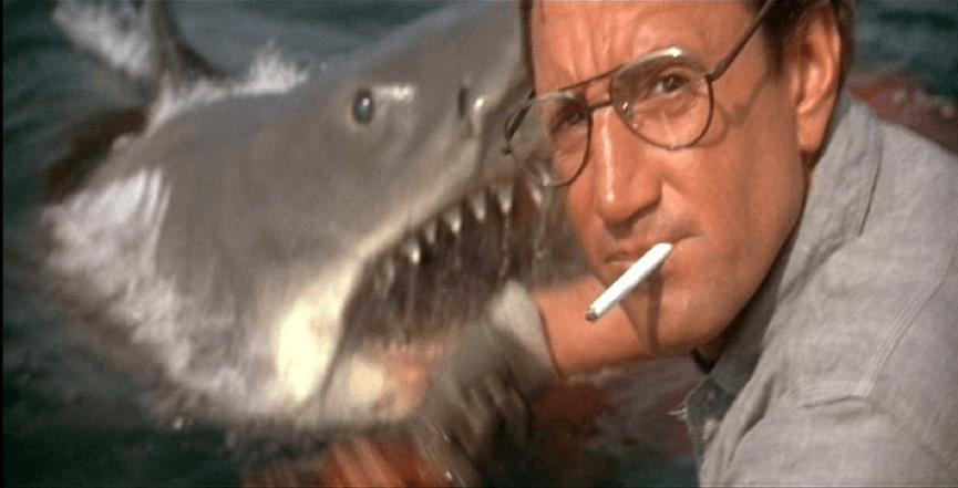 《 大白鯊 》中同時達到驚嚇與爆笑效果的神奇一幕。