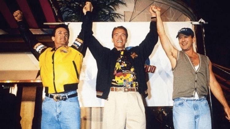 席維斯史特龍、阿諾史瓦辛格與布魯斯威利與他們的好萊塢星球餐廳 (Planet Hollywood) 活動。