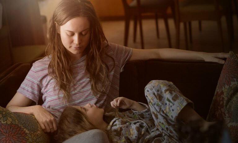 布麗拉森在《不存在的房間》(Room) 飾演受虐又被幽禁的年輕母親