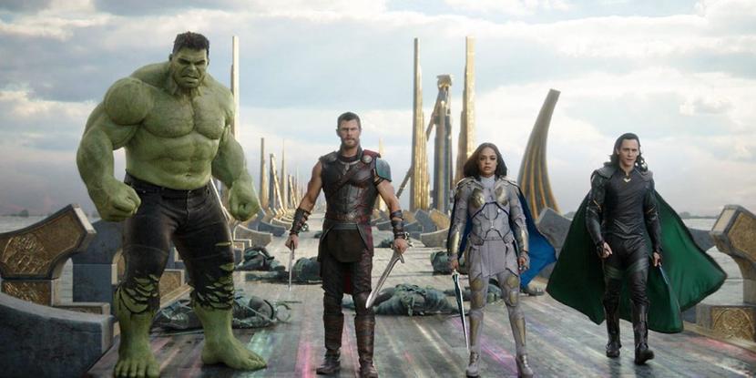 在《 雷神索爾 》系列電影的空檔, 索爾 等相關的英雄也會在《 復仇者聯盟 》系列現身。