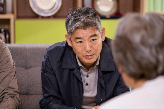 成東鎰也將參與演出《智異山》