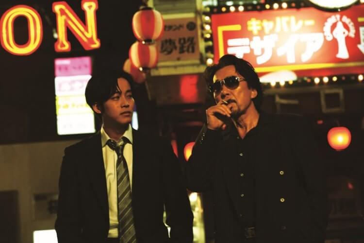 白石和彌導演電影《孤狼之血》松坂桃李、役所廣司。