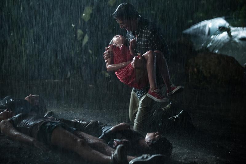 《 捍衛生死線 》片中的主角失去至親,想藉由生物科技讓家人 起死回生 ,角色故事也讓 基努李維 特別「感同身受」。