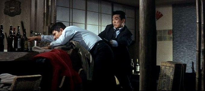昭和卡美拉《大怪獸決鬥 卡美拉對巴魯剛》人戲劇照。
