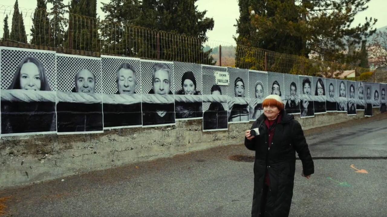 《 最酷的旅伴 》用鏡頭記錄人文,還將攝影照片輸出貼在建築物上。