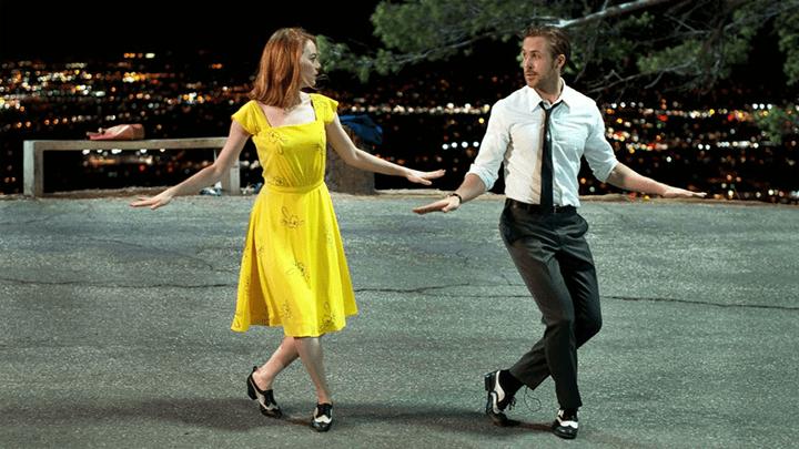 雷恩葛斯林 與 艾瑪史東 在《 樂來樂愛你 》中的華爾茲默契十足。
