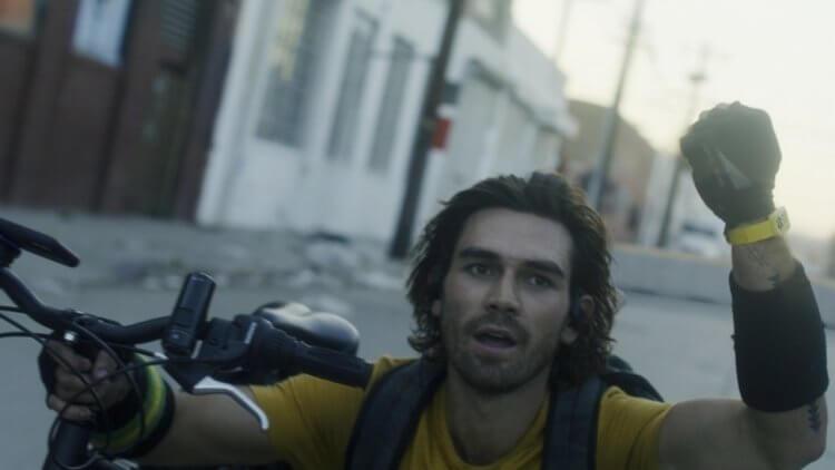 麥可貝監製,好萊塢首部疫情驚悚電影 《末世戰疫:鳴鳥檔案》洛杉磯封城大膽拍攝 1/8 起登台上映首圖