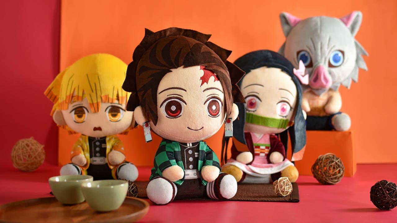 本次一共推出四款角色,三種不同尺寸的可愛坐姿玩偶,讓粉絲們可以依照喜好選擇大小(圖片為12